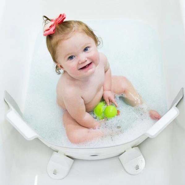 11 Tips For A Happy Baby Bath Time